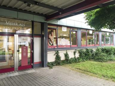 Filiale Räcknitzhöhe, Eingangsbereich & Fensterfront